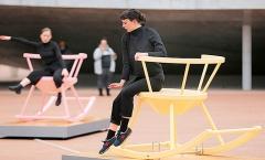 Camille Scherrer · Boum Tchak Bam, 2017, Rolex Learning Center, Campus EPFL, Eröffnung mit Cie Le Marche Pied. Foto: Murielle Gerber