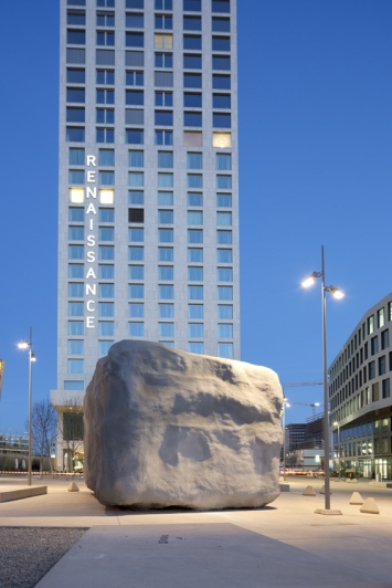 The No Problem Sculpture, Not Vital, Zurich Renaissance Tower Hotel