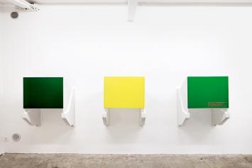 On, Off, Generational, 2013, Lötstopplack auf Leiterplatten, Keramik, WallRiss, Fribourg, 2013 © Matthias Sohr und WallRiss Foto: Max Reitmeier