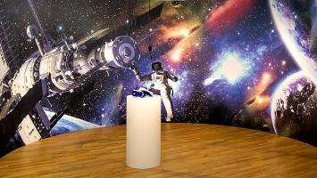 Halil Altindere · Journey to Mars, 2017, Ausstellungsansicht Zeppelinmuseum, Courtesy Tretter Virtuelle Tagträume