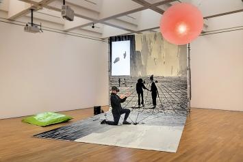 Florian Meisenberg · Pre-alpha courtyard games, 2017, Ausstellungsansicht Zeppelinmuseum