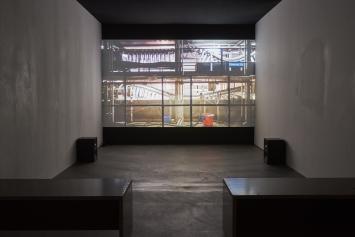 Vanessa Safavi, Velvet, HD video, 12', still.Musik:Ariel Garcia. Fotografie:Xavier Ripolles undVanessa Safavi. Ausstellungsansicht, Fri Art Kunsthalle 2019. Photo:Guillaume Baeriswyl