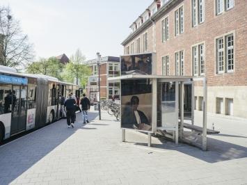 Dennis Adams, Bus Shelter IV, Skulptur Projekte in Münster 1987, Foto: LWL/ Hubertus Huvermann 2016
