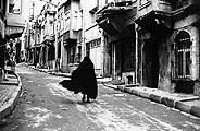 Shirin Neshat · Alleyways, 1997 Film Still; Courtesy Museum Fridericianum, Kassel