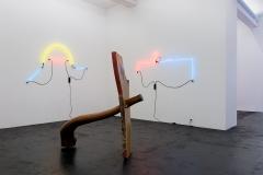 Keith Sonnier, Portal Series and Selected Early Works, Ausstellungsansicht Häusler Contemporary Zürich, 2017. Foto: Mischa Scherrer