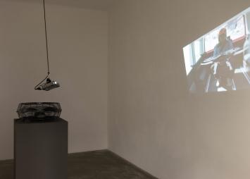Roman Signer,Installation mit Ventilator, 2020,Installationsaufnahme, CourtesyCourtesy Galerie Martin Janda Wien