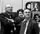 René Bergé et Ileana et Michel Sonnabend au mur: Andy Warhol, «9 Jackies», 1964 © Archives du Musée cantonal des Beaux-Arts, Lausanne