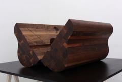 Napoleon's Head/Athanor, 2010, Glasbläser- Negativform aus Nussbaumholz auf Sperrholz- Tisch, Phenolharz, 100 x 90 x 63 cm