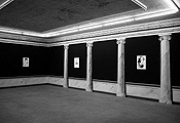 Lucy McKenzie · Installationsansicht «Brian Eno», 2003