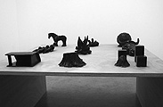 Mai-Thu Perret · 9 sculptures of pure self-expression, male principle, 2003, Installationsansicht Galerie Francesca Pia Bern