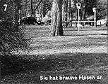 Hendrikje Kühne/Beat Klein ? Sie hat braune Hosen an, Sticker aus dem Heft «Hohe Heide», 2003