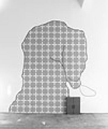 Lili van der Stokker · Sorry, one wallpainting, 2003, Foto Blaise Adilon