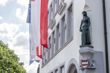 Eduard Spörri, Pomona, Bronzeskulptur, Stadthaus Kirchplatz
