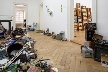 Flo Kaufmann und Gäste, H.o.Me. –Heim für obsolete Medien, Ausstellungsansicht Kunsthaus Langenthal, Foto: Martina Flury Witschi
