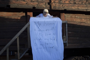Katherine Oggier Chanda:My home is where my (he)art is, 2017; Performance an der Finissage