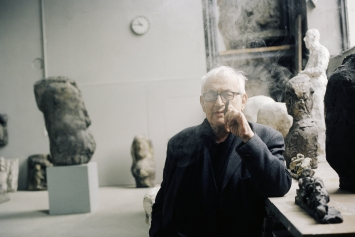 Hans Josephsohn im Kesselhaus Josephsohn, St. Gallen (2005), Foto: Katalin Deér