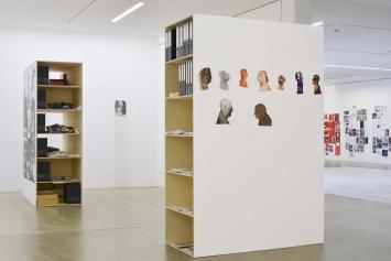Archivboxen mit Grundmaterial und Zwischenergebnissen einiger Langzeitprojekte, Entwürfe, diverse Medien der DIN A4-Kultur.Foto: Thomas Reul, Ratingen 2019