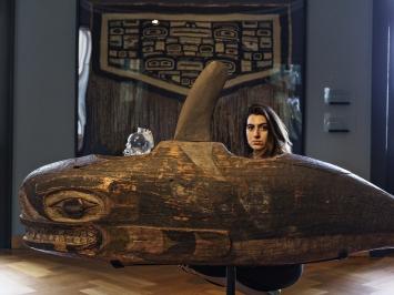 Cynthia Naef ist digitales Multitalent. Sie ist verliebt ins Museum Rietberg, hat ein Faible für Schamanen und kommt mit der Wintergarderobe nicht klar. Dann flucht sie auf Portugiesisch.