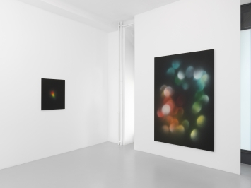Darren Almond, ‹The Swerve/The Light of Time›, Galerie Xippas, Genf (Ausstellungsansicht). Foto: Annik Wetter