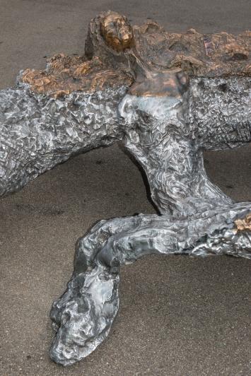 Jean-Marie Appriou,Noses, 2018, Aluminium, Bronze, Maagplatz, Zürich © Pierluigi Macor / Stadt Zürich KiöR («Neuer Norden Zürich»). Courtesy of the artist und Galerie Eva Presenhuber, Zürich/New York