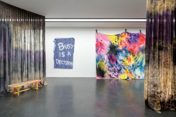 Anita Zumbühl · Very few things consist of a single substance, 2019, Ausstellungsansicht Kunst­museum Luzern. Foto: Marc Latzel