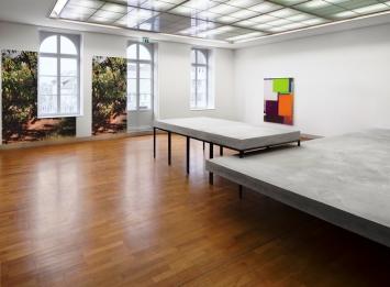 Benjamin Appel, Das Zimmer bis zur Hälfte mit Beton füllen, 2017, Foto: Henning Krause