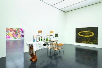 Paul Thek, Franz Wanner und Christine Streuli · Ausstellungsansicht Kunstmuseum Luzern, 2019.Foto: Marc Latzel