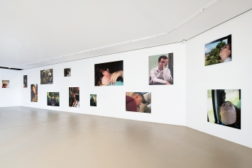 Mark Wallinger · The Unconscious, 2010, digitale Farbfotografie auf Dibond, 24Teile, Rauminstallation Kunstmuseum Basel   Gegenwart, Dimension variabel, Courtesy Emanuel Hoffmann-Stiftung, Depositum in der Öffentlichen Kunstsammlung Basel.Foto: Jonas Hänggi