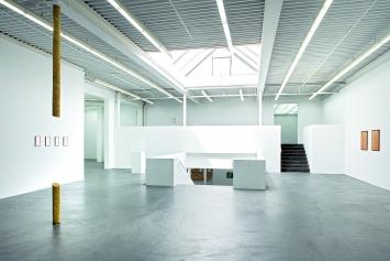 Beehave, 2018, Installationsansicht Kunsthaus Baselland.Foto: Gina Folly