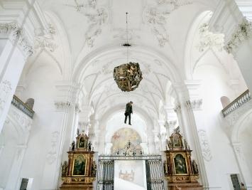 Christoph Rütimann · Bellelay, 2021, Performance, Abbatiale Bellelay.Foto: Pino Wegmüller
