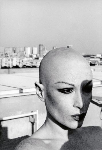 Manon · La dame au crâne rasé, 1978, Bilderserie mit ca. 48 Bildern, schwarz-weiss, gelatin silver print, Auflage 6, 65x50cm ©ProLitteris