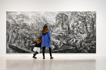 Sabine Hertig · Landscape 19, 2020, analoge Collage auf Leinwand, 245x510cm, Ausstellungsansicht Grimmwelt Kassel.Foto: Nils Klinger