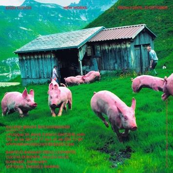 Artforum-Rückseite, Oktober 2009, Schweine der Familie Kempf, Urnerboden UR.Foto: Keystone / Christof Schürpf
