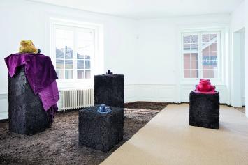 Pedro Wirz · Consoantes líquidas (Flüssige Konsonanten), 2019, Ausstellungsansicht Kunsthaus Langenthal, Courtesy Nagel Draxler Gallery, Berlin/Köln.Foto: Martina Flury Witschi
