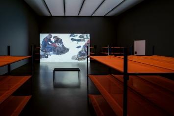 Clemens v. Wedemeyer · Faux Terrain, 2019, Ausstellungsansicht Kunstmuseum Luzern, 2019, Courtesy KOW, Berlin und Galerie Jocelyn Wolff, Paris ©ProLitteris.Foto: Marc Latzel