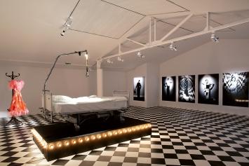 Manon · Ausstellungsansicht, Centre Culturel Suisse, 2021 ©ProLitteris.Foto: Margot Montigny