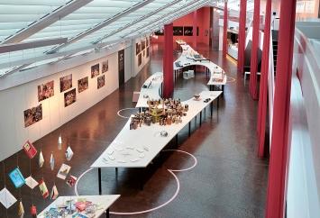 Zu Tisch, Ausstellungsansicht Vögele Kulturzentrum, 2020.Foto: Katharina Wernli