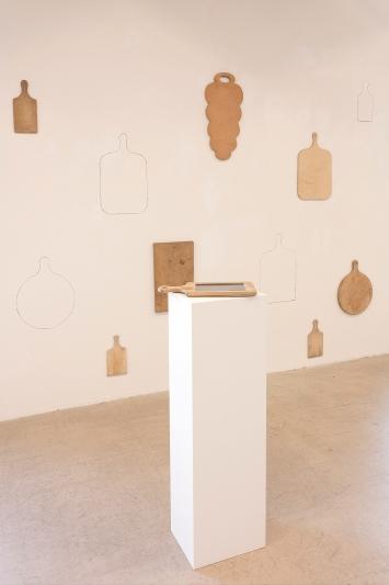 Meret Buser · Vierzäh Täg hinterem Mond– Recipes from my Grandmother's Life, 2014, Ausstellungsansicht Kunst(Zeug)Haus, 2021.Foto: Andri Stadler