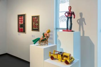 Jenseits aller Regeln– Das Phänomen Aussenseiterkunst, Ausstellungsansicht Kunstmuseum Thurgau.Foto: Stefan Rohner