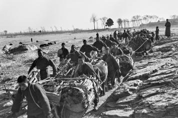 Walter Bosshard · Warentransport, China, 1930er-Jahre ©Fotostiftung Schweiz / Archiv für Zeitgeschichte