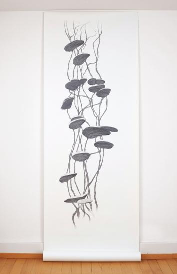 Monika Feucht · Signum Systema, 2019, Bleistift, Grafit auf Papier, 291x98cm.Foto: Franca Pedrazzetti