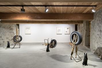 Kemang Wa Lehulere · Ausstellungsansicht Galerie Tschudi Zuoz.Foto: Ralph Feiner