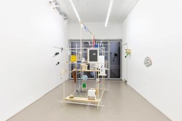 Axel Lieber · Kopf und Kragen, 2021, Raumansicht Galerie Mark Müller ©ProLitteris.Foto: Conradin Frei