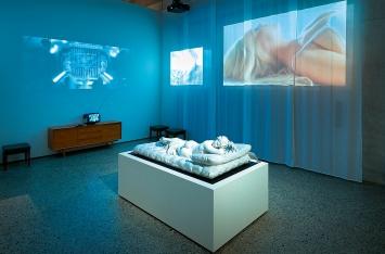 ‹Der erschöpfte Mann›, 2020, Ausstellungsansicht Schweizerisches Landesmuseum Zürich