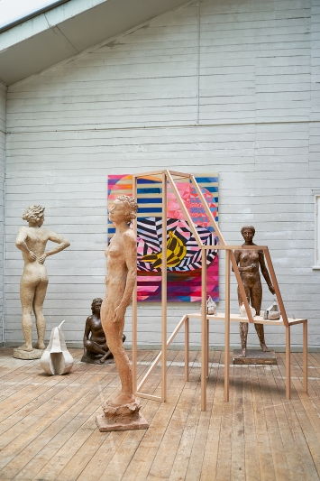Wenn du geredet hättest, 2020, Ausstellungsansicht mit Werken von Athene Galiciadis und Hermann Haller, Atelier Hermann Haller, Zürich.Foto: Zsigmond Toth