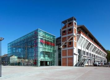 Vue du bâtiment de la Fonderie où se situent La Kunsthalle ainsi que l'Université de Haute-Alsace.