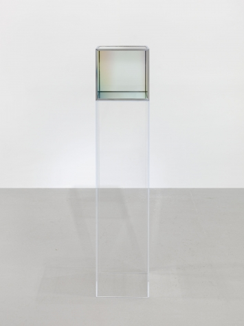 Larry Bell, Untitled, 1985, Vacuum coated glass with chrome plated metal framing 26 x 26 x 26 cm / 10 1/4 x 10 1/4 x 10 1/4 in © Larry Bell  Courtesy the artist and Hauser & Wirth  Photo: Genevieve Hanson