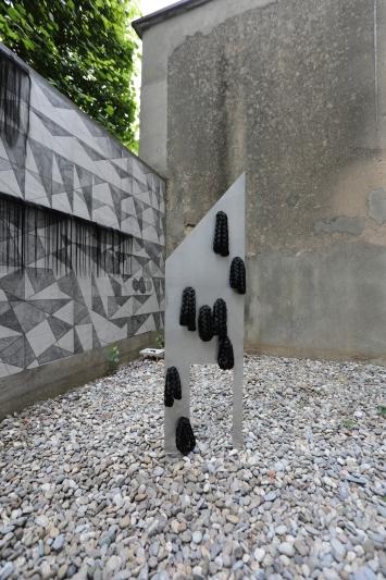 Madeline Jiménez Santil,The construction of the strange, 2020, Wandbild