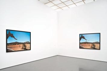 N° 369 und N° 368 (rechts), Février Mars 2006, 123x153cm, Installationsansicht Aargauer Kunsthaus, Aarau, Courtesy Gladstone, New York, Bruxelles; Sprüth Magers, Berlin, London, Los Angeles.Foto: Dominic Büttner