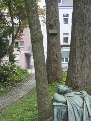 Ian Hamilton Finlay, A Remembrance of Annette [Eine Erinnerung an Annette], 1987, Skulptur Projekte in Münster 1987, Foto: LWL/Hubertus Huvermann